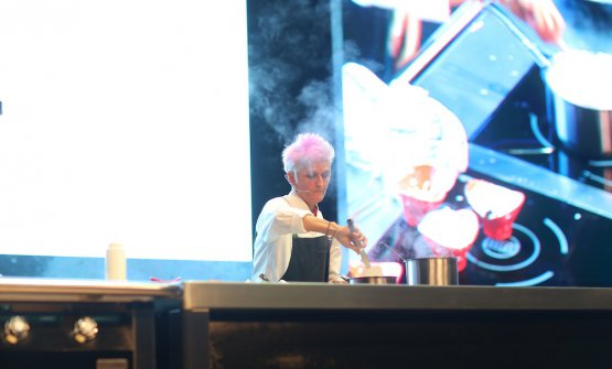 Cristina Bowerman on the stage of Gastromasa in