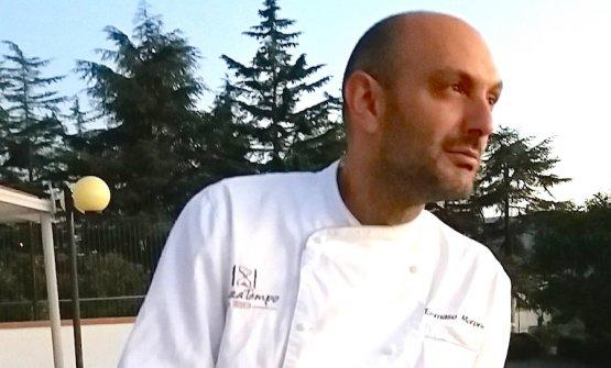 Tommaso Morone, chef e patron del SenzaTempo Osteria a Caggiano (Salerno)
