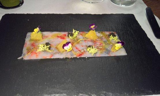 Trasparenza di gambero rosso di Mazara con limone candito, caviale e arancia bionda
