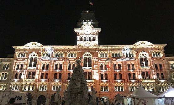 Piazza Unità d'Italia a Trieste ha fatto da sfondo alla cena conclusiva del 73° congresso di AssoEnologi
