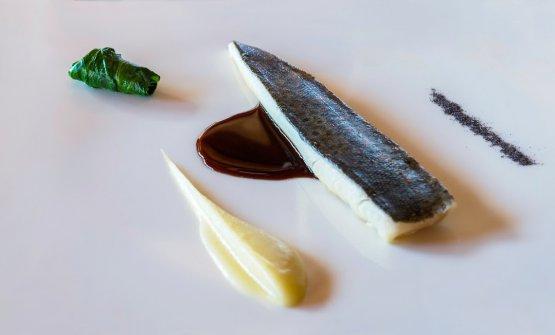 La trota Fario delle Alpi Marittime, crema di radici amare e fondo acido: il piatto dell'autunno di Maurizio Macario e Fabio Ingallinera