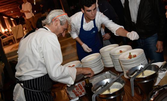 Leandro Luppi si è cimentato nella preparazione dellaTrota marinata cioccolato e cren