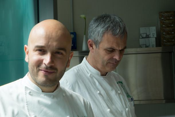 Sauro Ricci, a sinistra, con lo chef del Joia di Milano Pietro Leemann