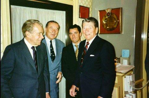 Con Nixon e Reagan...