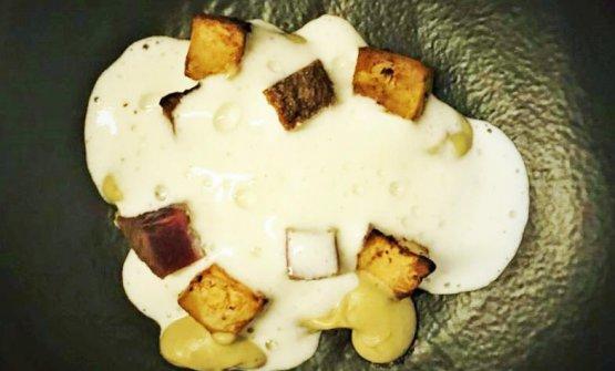 Crema di porcini, carne dry aged, sedano rapa, latte: la ricetta dell'autunno di Michele Valotti