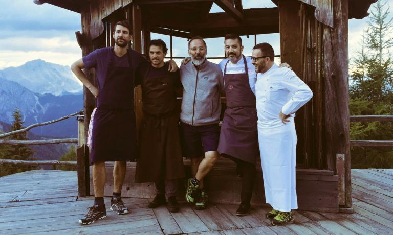 Cinque degli chef protagonisti nei giorni scorsi di Cook the Mountain:Giorgio Ravelli, Rodolfo Guzman, Norbert Niederkofler,Ivan Milanie Giancarlo Morelli. Il racconto (e le foto) di Lisa Casali per Identità Golose