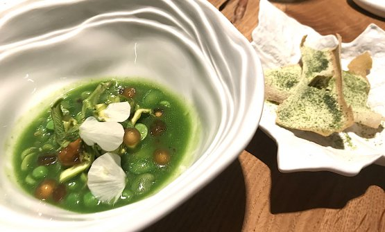 Spring & summer, spring soup of peas, asparagus and broad beans, mint sauce by Viviana Varese