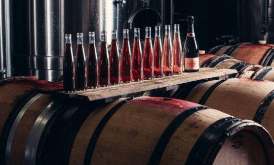 200 anni fa, Madame Clicquot inventò il primo champagne roséper assemblaggiodi cui si abbia notizia