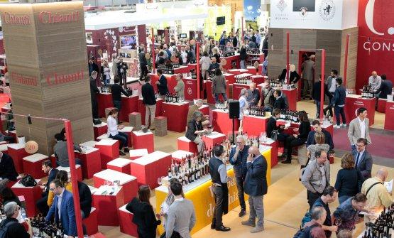 Tante occasioni di assaggiare vini, come il Chianti (foto Ennevi-Veronafiere)