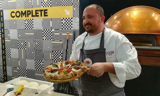 La pizzeria del campano Luca Doro, prima solo dedicata all'asporto, da agosto 2018 offre anche dei tavoli dove consumare le pizze