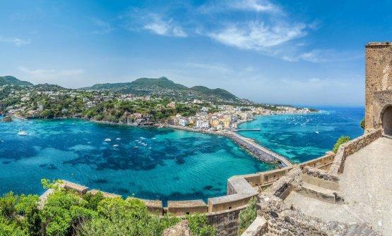 Ischia, ufficialmente Covid free, riparte con gli alberghi di lusso, resort e boutique hotel