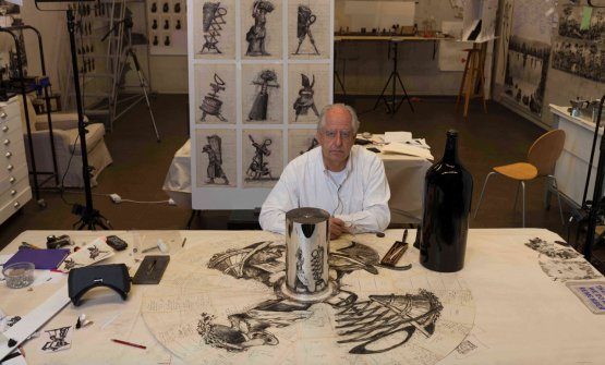 William Kentridge nel suo studio