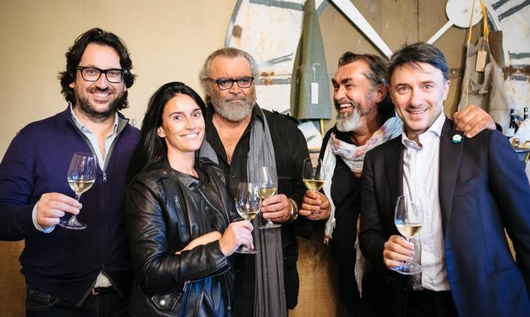 Foto di gruppo. Da sinistra: Massimo e Tiziana Moccagatta, Diego Abatantuono, Stefano Moccagatta e Cesare Turini
