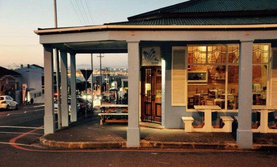 Pesce Azzurro, Roodebloem Road 113,Città del Capo, telefono +27214472009