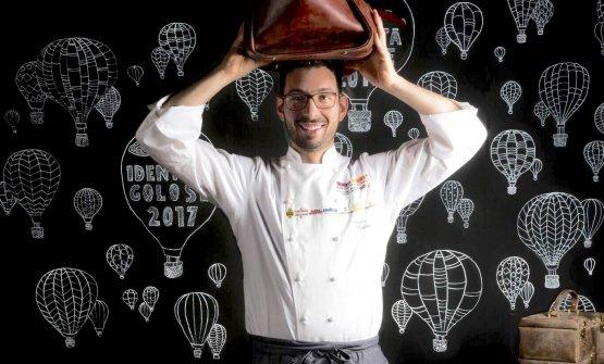 Antonio Biafora, classe 1985. È lo chef del nuovo Hyle, a San Giovanni in Fiore, sulla Sila. Quiè ritratto da Brambilla-Serrani a Identità Milano 2017