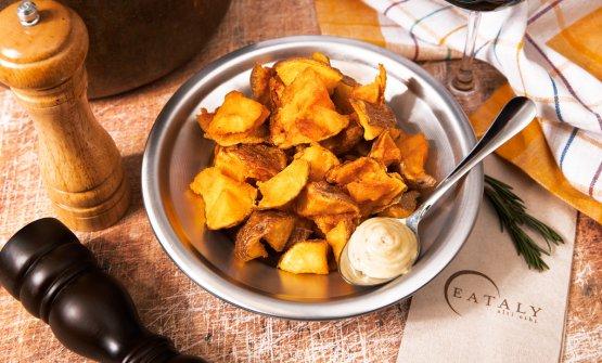 Enrico Panero ci spiega come realizzare patate fritte perfette (le abbiamo assaggiate, e sono davvero buonissime)