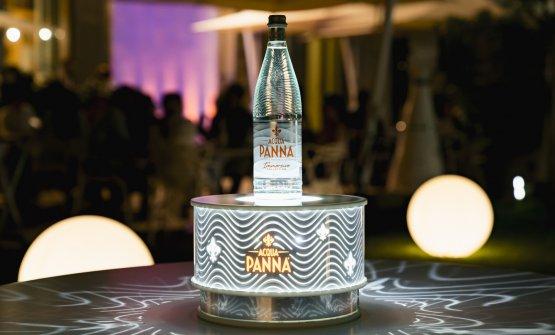 Due nuove bottiglie iconiche di Acqua Panna e S. P