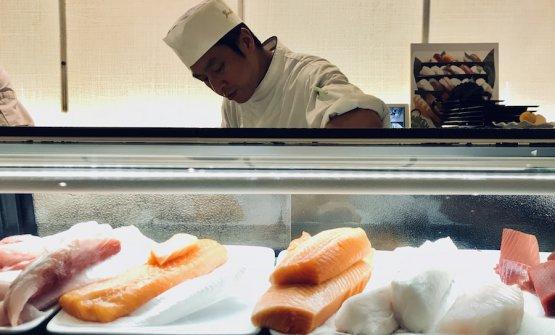 Yoshinobu Kurio, 48 anni, chef e patron di Yoshi a Milano