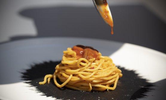 Lo spaghetto nel riccio: la ricetta estiva di Gius