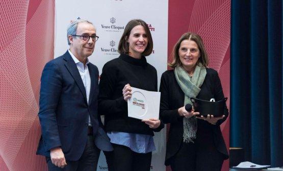 Alessandro Guidi e Cristina Franceschetti di Caraiba conAnnalisa Zordan durante la premiazione di qualche mese fa