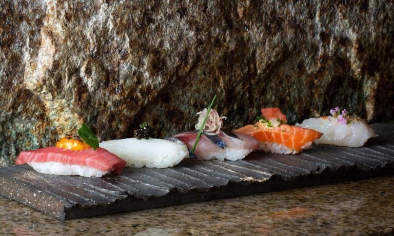 Ancora uno scatto di John Carey, stavolta per fissare la splendida eleganza dei sushi proposti da Zuma a Roma e nel mondo