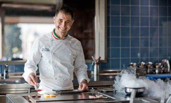 Fabio Ciervo, classe 1979, sannita di Sant'Agata dei Goti, è lo chef del ristorante La Terrazza dell'hotel Eden a Roma, una stella Michelin