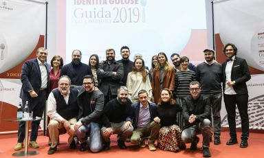 Foto di gruppo di tutti i premiati dalla Guida Ide