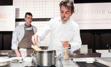 AtIdentità Milano, French cuisine superstar Yannick Allénoparticipated in Identità di Pasta, in collaboration with Pastificio Felicetti. He also held a lesson in the Auditorium, and on this occasion too, he presented a pasta-based dish