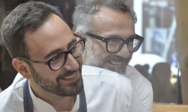 Davide Di Fabio and Massimo Bottura, in a photo by Brambilla - Serrani, in the kitchen of Identità Expo