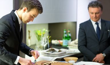 ALMA, Scuola Internazionale di Cucina Italiana, è stata fondata a Colorno nel 2004. Tra i corsi di aggiornamento professionale, ce n'è anche unodi sala, bar e sommellerie