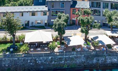 Visuale panoramica del ristorante Terminus del Porto Pojana a Riva San Vitale, sul lago di Lugano, Svizzera