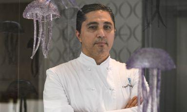 Nello Siano, di San Giorgio a Cremano, chef dellaTerrazza Tiberio, ristorante contenuto nel boutique hotelCapri Tiberio Palace. Le foto sono di Benedetta Bassanelli