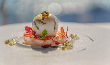 Calamaro e foie gras, piatto di Alfonso Crescenzo, da pochi mesi in sella al ristoranteMaxi di Capo La Gala, Vico Equense (Napoli)