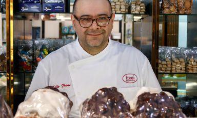 Lillo Freni, titolare della pasticceria I Dolci - Freni, in viaAdolfo Celi 90-96, Messina