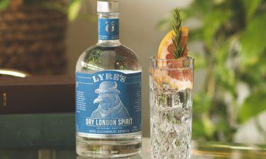 """Dry London Spirit , il """"cugino"""" analcolico del gin, prodotto dall'australiana Lyre's"""