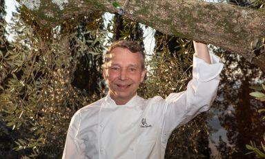Oliver Glowig,cuoco di Düsseldorf,classe1970, ritratto nel contesto bucolico della sua ultima avventura, al Castello di Petroro, Borgo Petroro, Todi (Perugia)