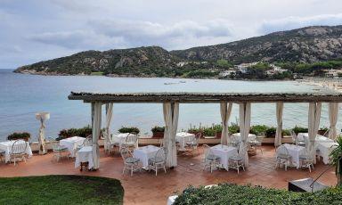 La terrazza panoramica diSomualClub HoteldiBaja Sardinia adArzachena (Olbia Tempio)