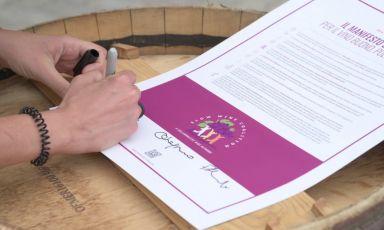 Il Manifesto Slow Food per un vino buono, pulito e giusto può essere sottoscritto da produttori, operatori, appassionati