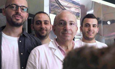 I Varvara, due generazioni impegnate in Varvara - fratelli di carne. Papà Antonio coi figli (da sinistra) Michele, Vincenzo e Alessandro