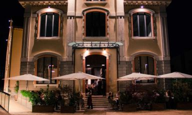 Ratanà's beautiful dehors, in the heart of the