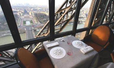Pranzare sulla Tour Eiffel