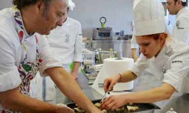 To the right, with Moreno Cedroni, Aurora Storari.