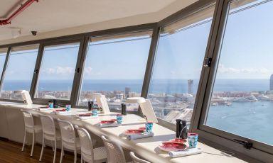 Marea Alta, cucina di pesce con la vista più bella su Barcellona