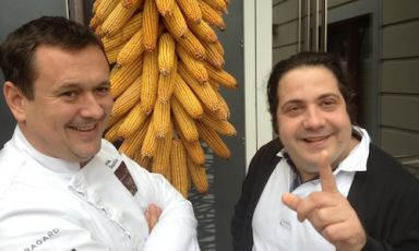Chef Emanuele Scarello and pastry chef Gianluca Fusto last Monday morning in Godia, Udine, on the doorstep of the former's restaurant Agli Amici. They were trying out the menu they will cook at Ratanà, in Milan, on Monday December 3rd. 100 euros per person, for info and bookings call 800.825144
