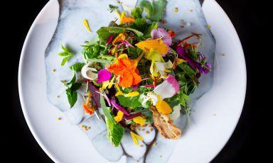 U cala cala, uno dei piatti più rappresentativi del giovane chef Antonio Monti al ristorante della tenuta C'est la viedi Ischia. La foto del piatto è di Emanuele Minerva