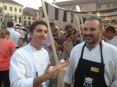 Fabio Pisani di Aimo e Nadia e il suo partner della rassegna, Davide Longoni del panificio Longoni