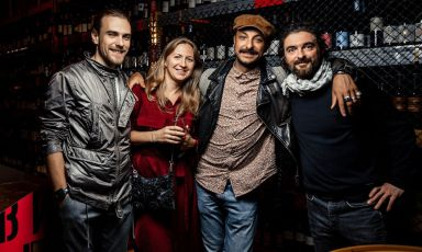 Left to right: the founder ofBeef ZavodMaxim Torganov, his partner,Diego RossiandFederico Sisti. A few days ago, the chef fromTrippacooked in this restaurant in Saint Petersburg, as guest of theGourmet Days