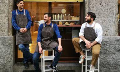 Da sinistra a destra, Giacomo Sacchetti, Mattia Mizzi e Andrea Cicu, iragazzi di Tree cocktails and food, cocktail e tapas bar via Raffello Sanzio 16 a Milano, +390227014829 (credit foto facebook)