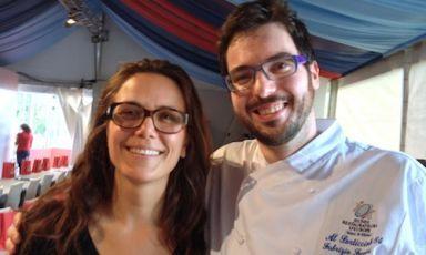 Fabrizio Ferrari con Alice Delcourt dell'Erba Brusca di Milano,vincitrice dell'edizione 2012 del Cous Cous Fest di San Vito Lo Capo con un piatto a base di agnello(foto Marchi)