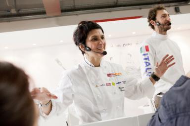 Cristina Bowerman, chef patron del Glass Hostaria e Romeo a Roma, era in coppia con Diego Confalonieri, campione di scherma nella specialità spada - bronzo nella spada a squadre a Pechino